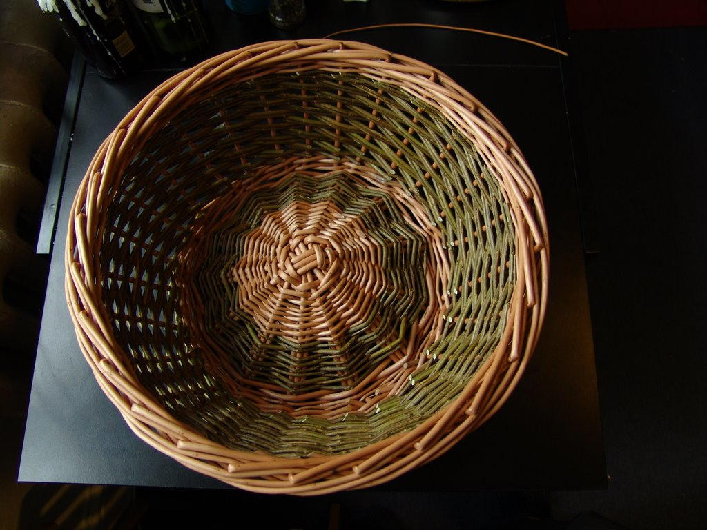 Basket Weaving Process : Basket weaving